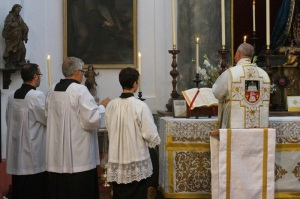 CATHOLICVS-Santa-Misa-Sevilla-Holy-Mass-2
